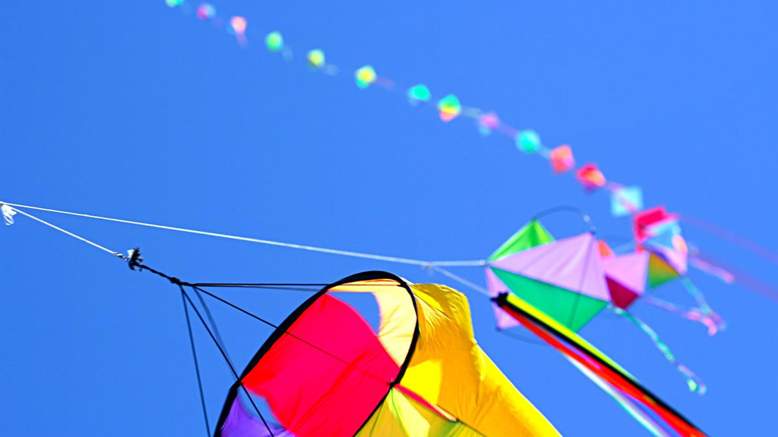 Kites In The Sky | Clipart Panda - Free Clipart Images